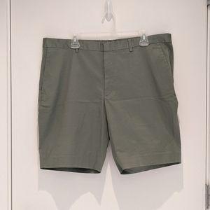 BNWT Uniqlo Men's Stretch Slim Fit Shorts - Sz XL